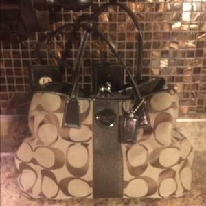 🌹BOGO of equal or lesser value COACH satchel